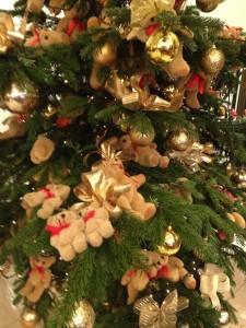 teddy bear christmas tree copyright gretta schifano