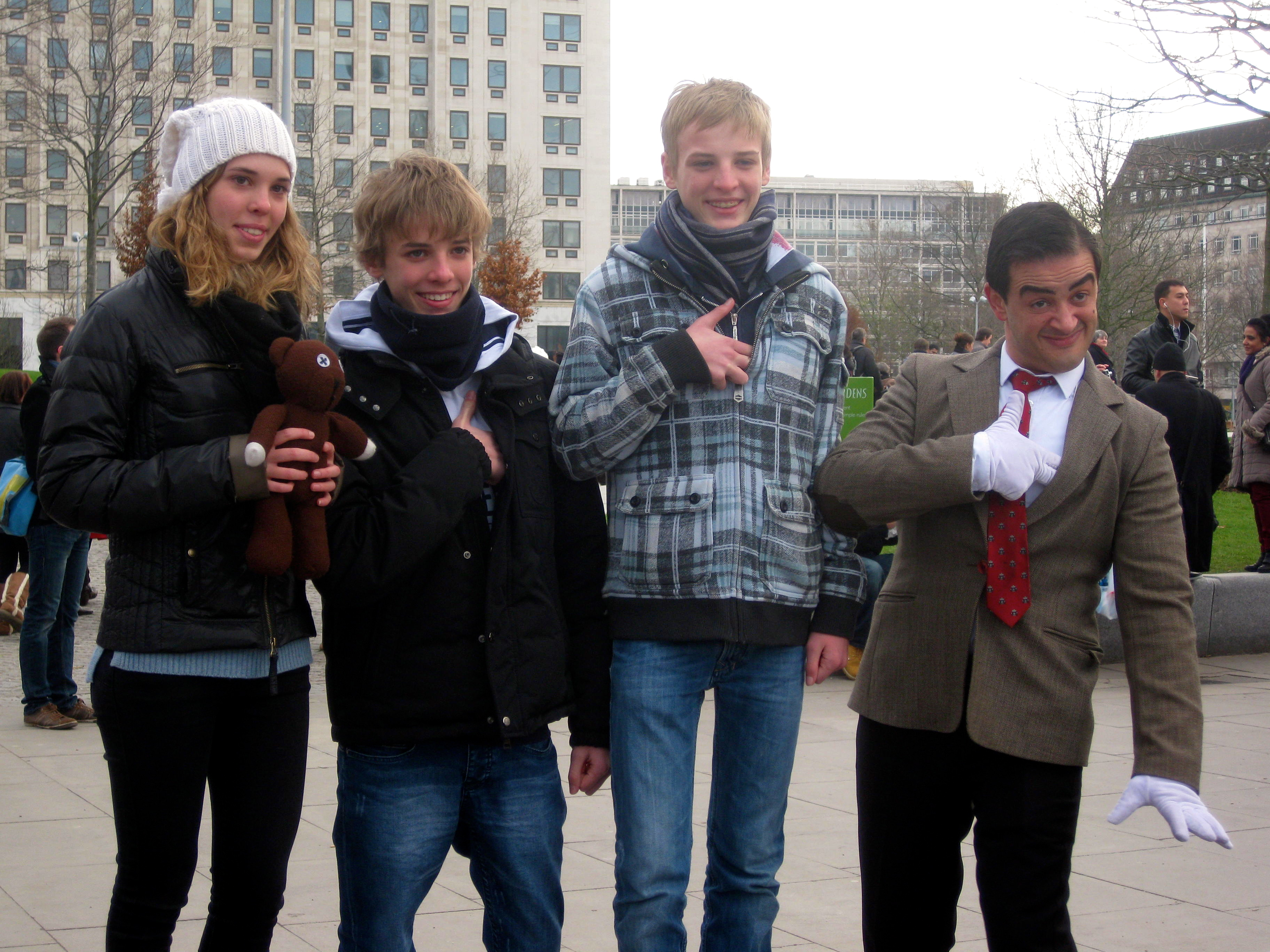 Italian teens & Mr Bean performer, London Southbank. Copyright Gretta Schifano