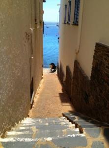 Cadaques street. Copyright Gretta Schifano