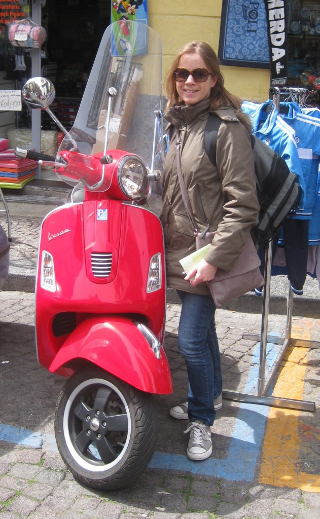 Guided Vespa Tour, Naples. Copyright Gretta Schifano