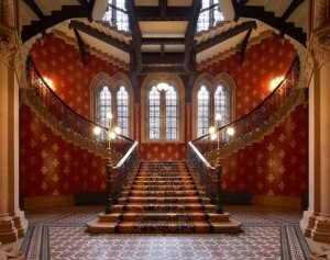 Grand Staircase. Image courtesy of St Pancras Renaissance Hotel.