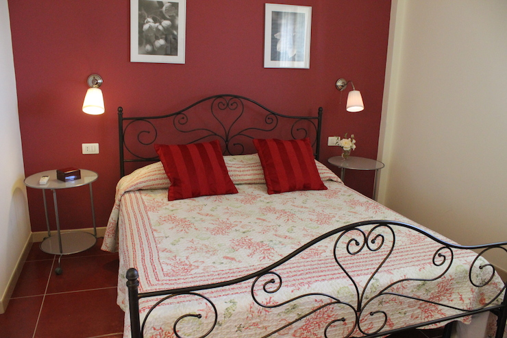 Bedroom at one of the La Truvatura apartments. Copyright Gretta Schifano