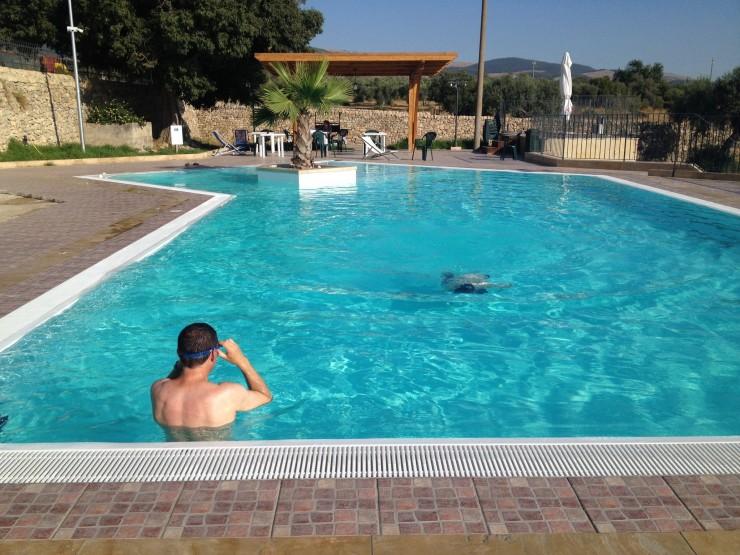 Pool at Valle di Chiaramonte agriturismo. Copyright Gretta Schifano