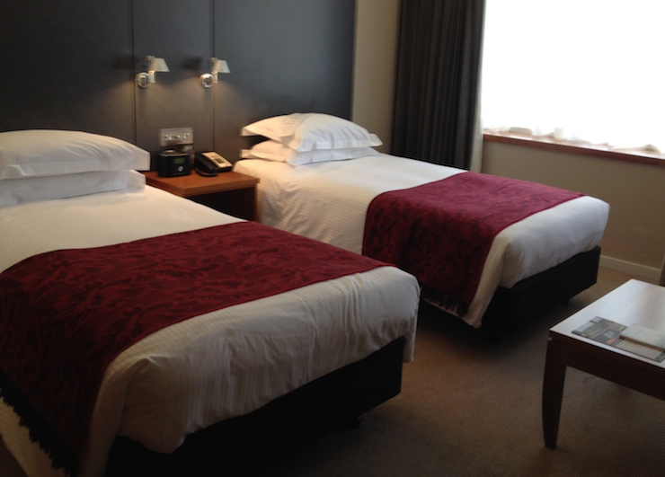 Twin room, Royal Garden Hotel, London. Copyright Gretta Schifano
