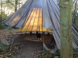 Parachute tent, Jack Raven Bushcraft. Copyright Gretta Schifano