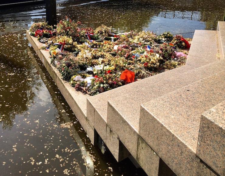 Homomonument, Amsterdam. Image copyright Gretta Schifano