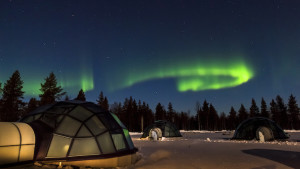 Glass igloos, Kakslauttanen Arctic Resort. Image courtesy of Kakslauttanen Arctic Resort