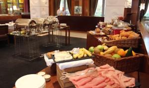Breakfast buffet, Four Seasons Canary Wharf. Copyright Gretta Schifano