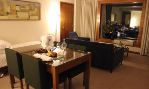 Executive suite, Four Seasons Canary Wharf. Copyright Gretta Schifano