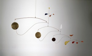Triple Gong, ca. 1948. Brass, sheet metal, wire, and paint. Image courtesy of Tate Modern.