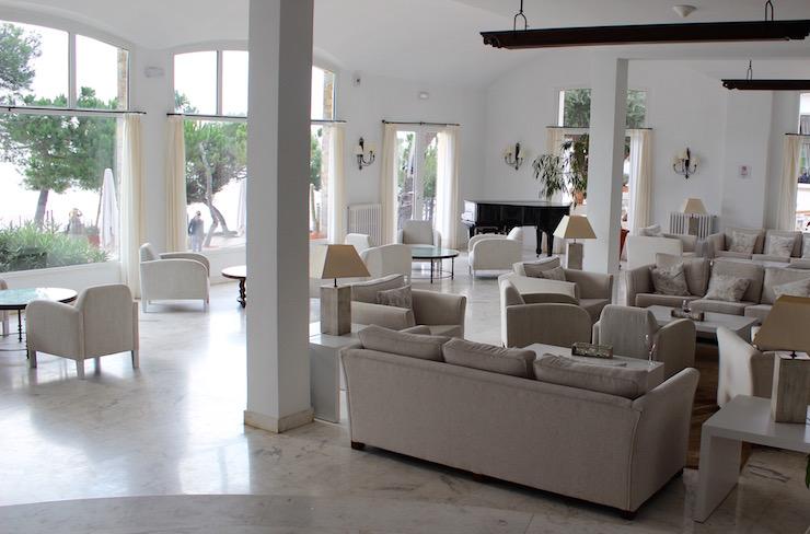 Lounge area at Hotel Silken Park San Jorge. Copyright Gretta Schifano