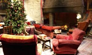 Gryffindor common room, Hogwarts film set. Copyright Gretta Schifano