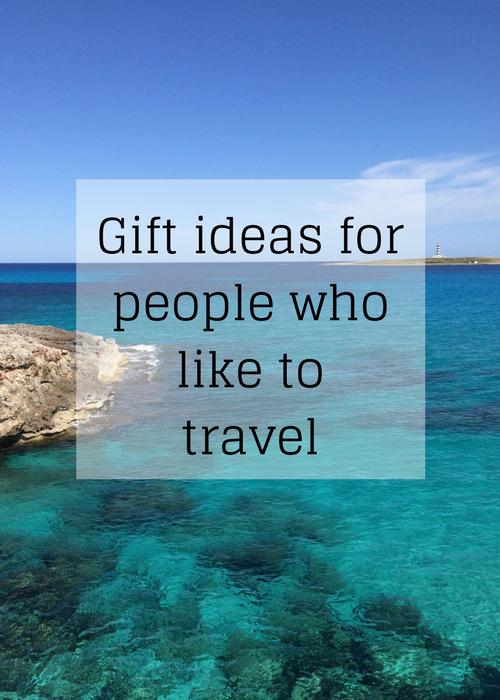 If you're looking for gift inspiration for a friend or relative who enjoys travelling, here are some ideas for what to buy for them - click through for full details. #Christmas #giftideas #travel