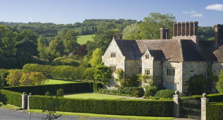 Bateman's, the Jacobean house that was the home of Rudyard Kipling from 1902 to 1936, set in its garden in the countryside at Burwash, East Sussex ©National Trust Images:John Miller
