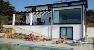 Villa Vittoria pool and terrace, Sicily. Copyright Lorenza Bacino