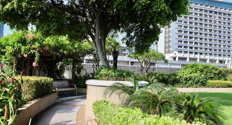 Amari Watergate Bangkok roof garden. Copyright Gretta Schifano