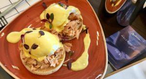 Eggs benedict with salmon, Radisson Blu Birmingham. Copyright Gretta Schifano